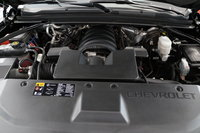 Picture of 2015 Chevrolet Suburban 1500 LTZ 4WD, engine, gallery_worthy