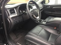Picture of 2017 Toyota Highlander Hybrid Limited, interior, gallery_worthy