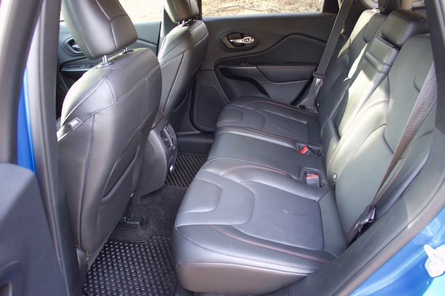 Rear seat of the 2019 Jeep Cherokee