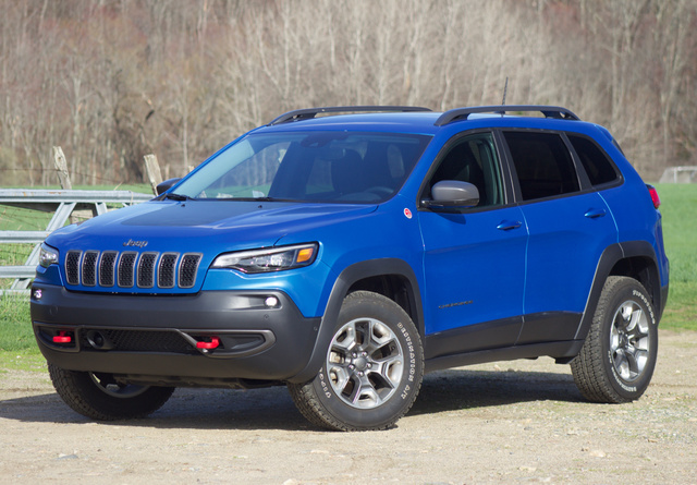 Front 3/4 of the 2019 Jeep Cherokee