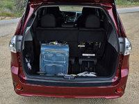 2018 Toyota Sienna SE 8-Passenger FWD, 2018 Toyota Sienna SE cargo space behind third-row seat, interior, gallery_worthy