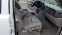 Picture of 2005 Chevrolet Suburban 2500 LT 4WD, interior, gallery_worthy