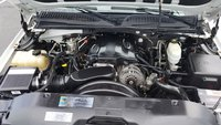Picture of 2005 Chevrolet Suburban 2500 LT 4WD, engine, gallery_worthy