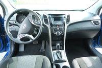 Picture of 2017 Hyundai Elantra GT FWD, interior, gallery_worthy