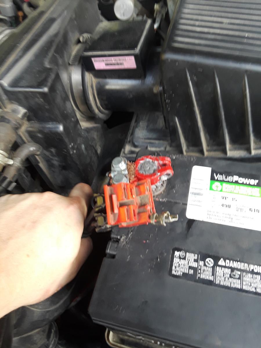 Nissan Maxima: Battery