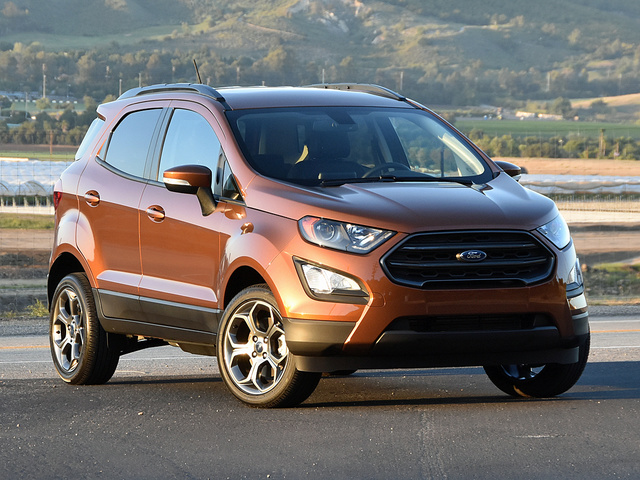2018 Ford EcoSport SES in Canyon Ridge paint