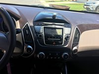 Picture of 2011 Hyundai Tucson GL FWD, interior, gallery_worthy