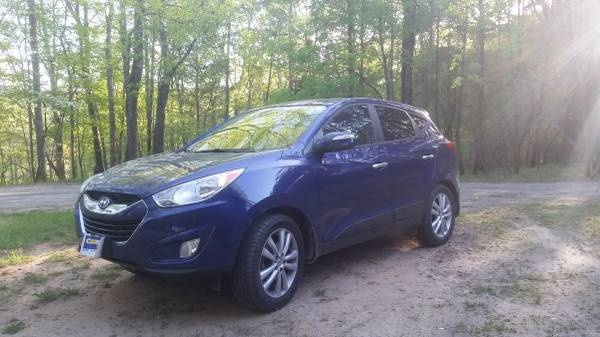 Picture of 2011 Hyundai Tucson Limited AWD