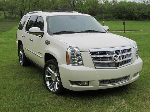 Picture of 2013 Cadillac Escalade Premium RWD