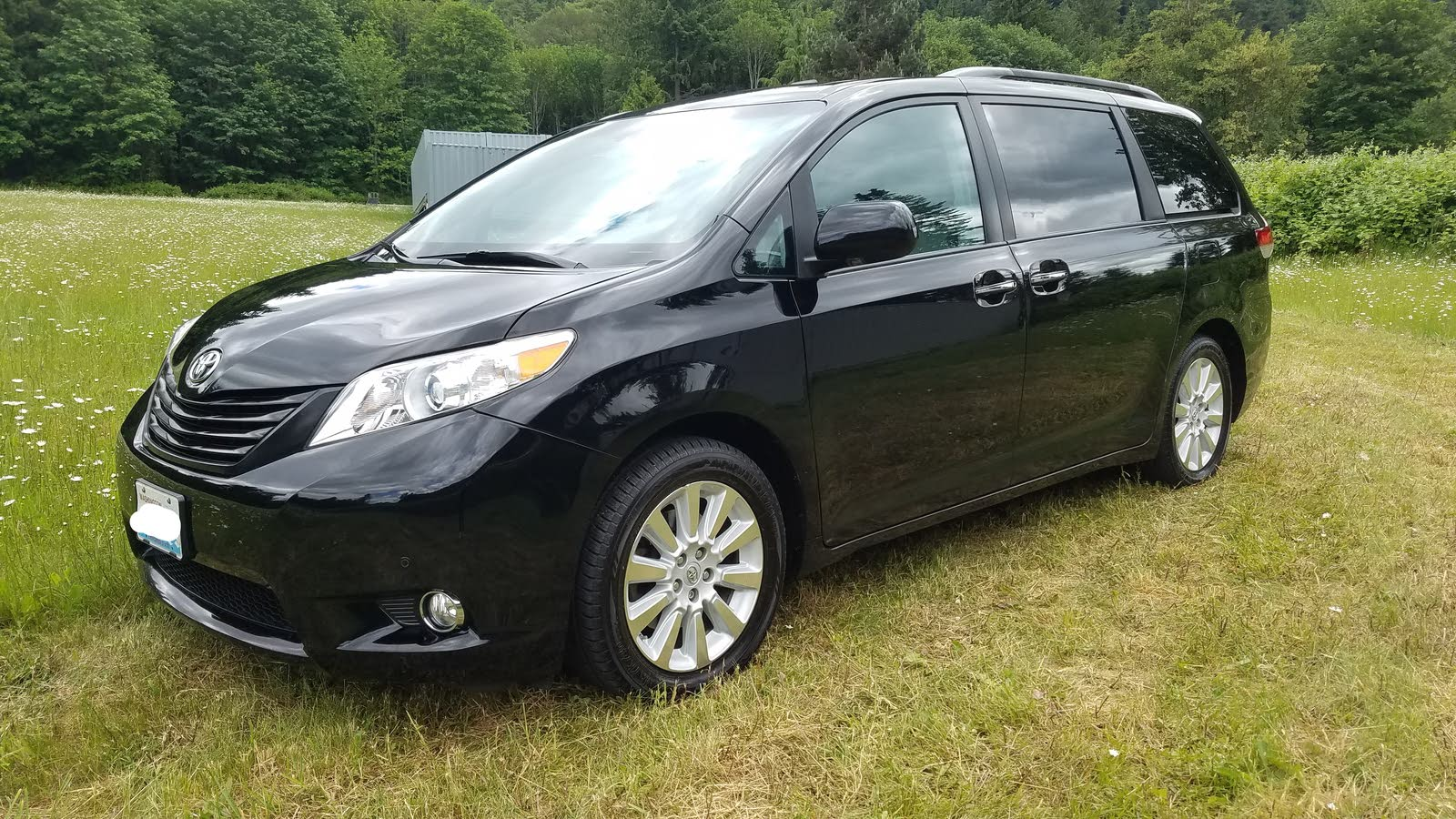2012 toyota sienna overview cargurus. Black Bedroom Furniture Sets. Home Design Ideas