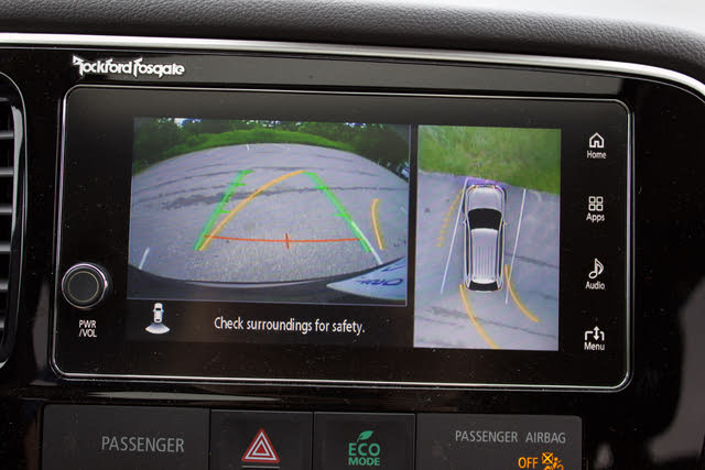 Rearview camera of the 2018 Mitsubishi Outlander. Note the 360 camera on the right side of the screen., gallery_worthy