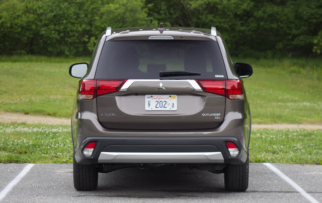 Rear view of the 2018 Mitsubishi Outlander, exterior, gallery_worthy