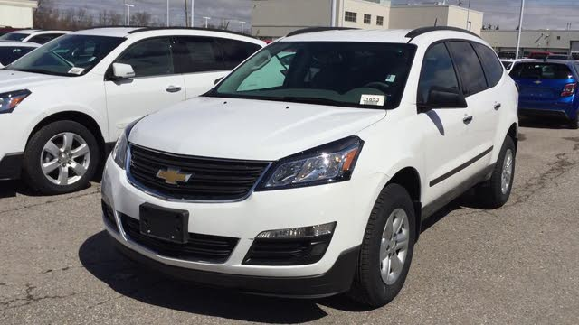 Picture of 2017 Chevrolet Traverse 1LT FWD, exterior, gallery_worthy