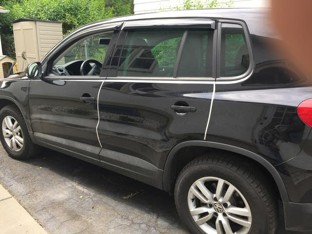 Picture of 2013 Volkswagen Tiguan S 4Motion w/ Sunroof