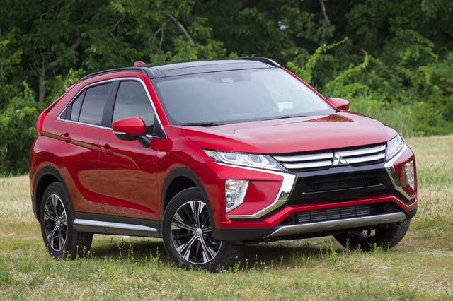 Front 3/4 of the 2018 Mitsubishi Eclipse Cross, exterior, gallery_worthy