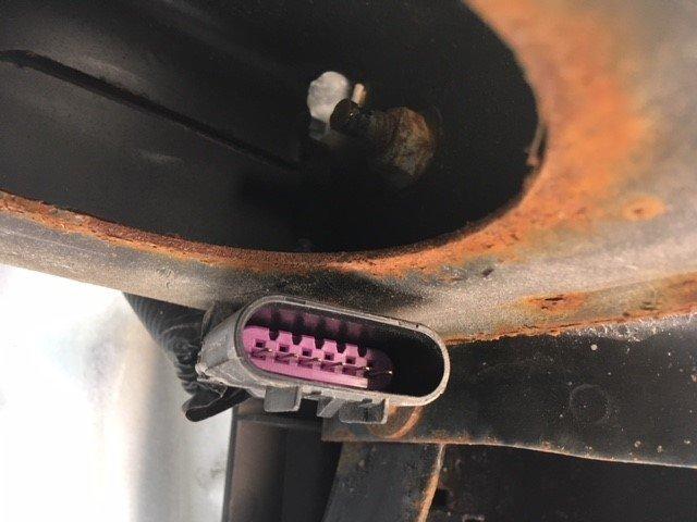 GMC Savana Cargo Questions - Trailer wiring connector - CarGurus