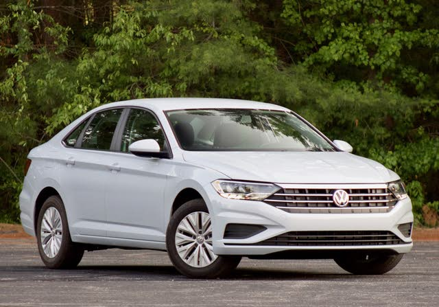 Front 3/4 of the 2018 Volkswagen Jetta.