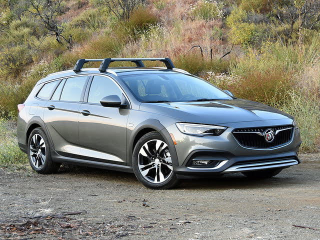 2018 Buick Regal TourX Essence in Smoked Pearl Gray