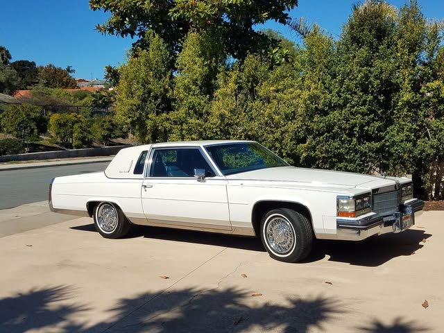 Picture of 1984 Cadillac Fleetwood Brougham Coupe RWD
