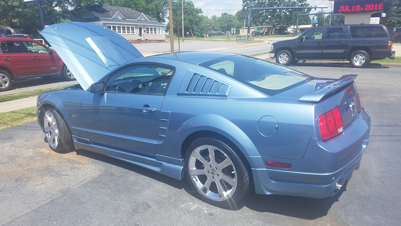 Wondering if anyone can tell me what type of body kit is on my mustang and where to get replacement parts