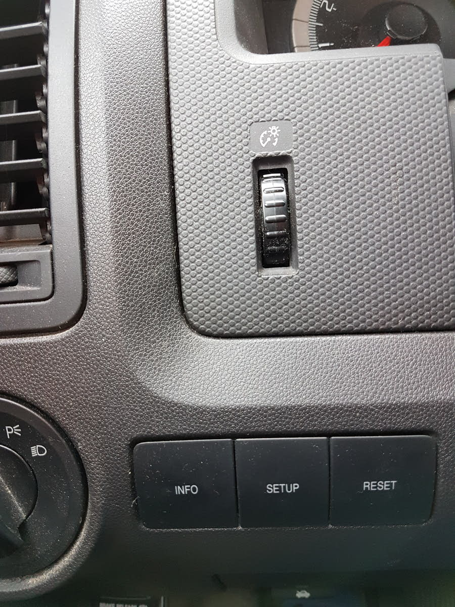 Ford Escape Questions - my interior lights won't come on when i open
