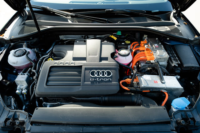 Picture of 2018 Audi A3 Sportback e-tron 1.4T Prestige FWD, engine, gallery_worthy