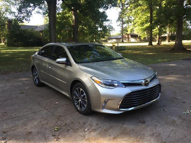 Picture of 2018 Toyota Avalon XLE Premium