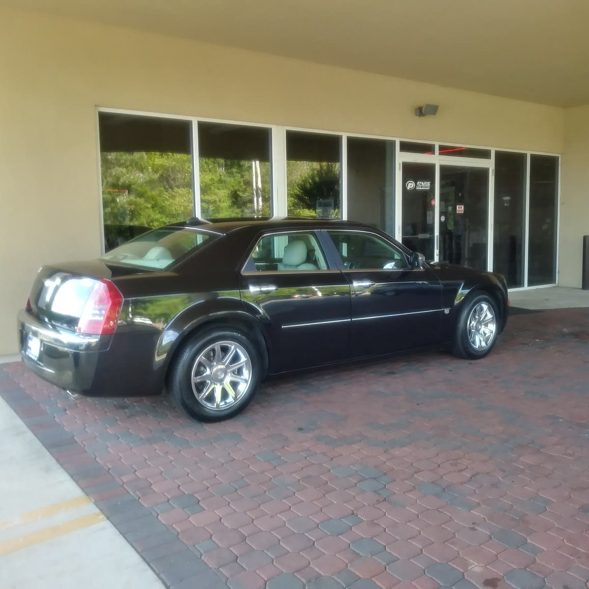 ... chrysler 300 c and it rides like a champ. Its just how you maintain  your vehicle, my dad have one with over 200k miles and it drives like it  just came ...