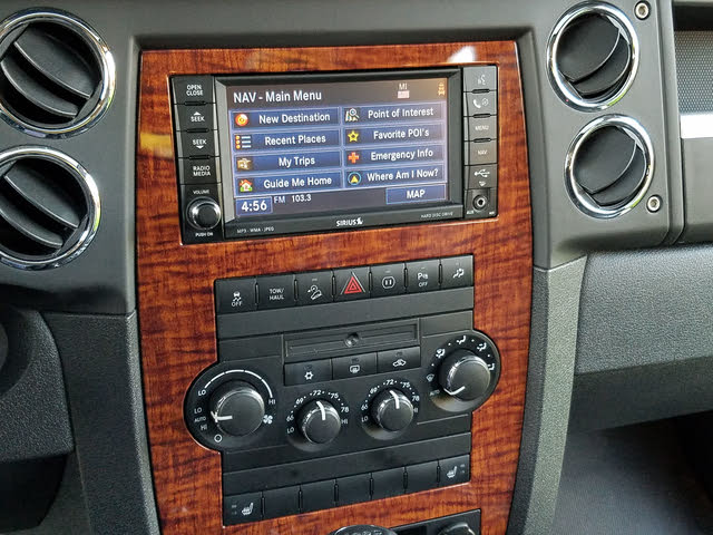 Picture of 2010 Jeep Commander Limited 4WD, interior, gallery_worthy