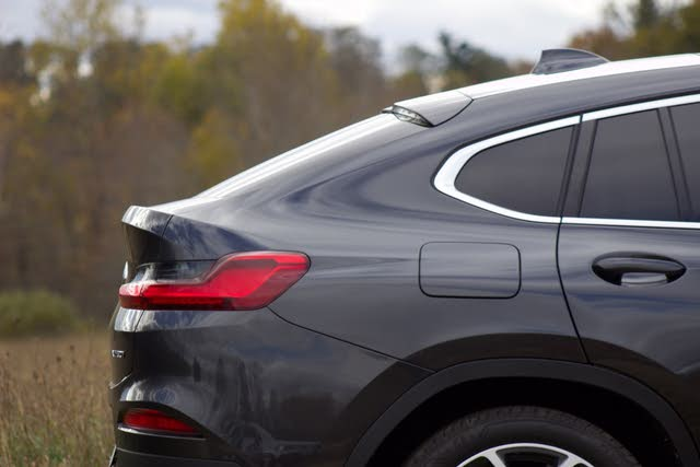 Fastback profile of the 2019 BMW X4, gallery_worthy