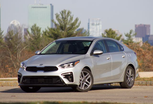 Front 3/4 of the 2019 Kia Forte, exterior, gallery_worthy