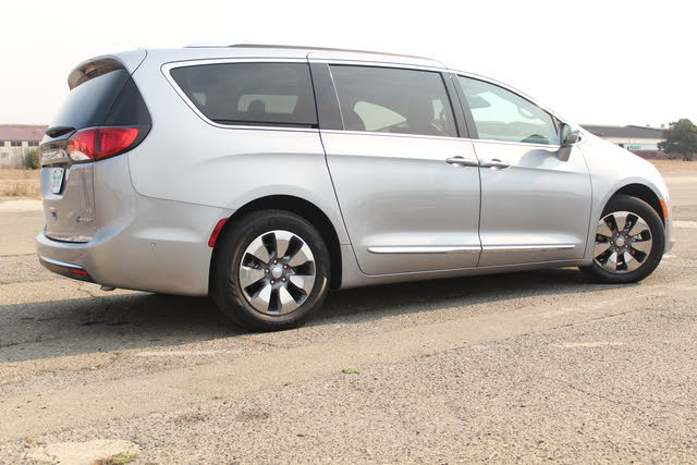 Picture of 2018 Chrysler Pacifica Hybrid, exterior, gallery_worthy