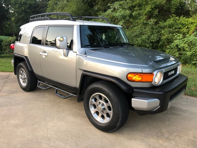 Picture of 2011 Toyota FJ Cruiser 2WD