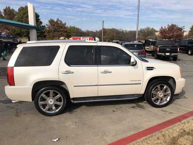 Picture of 2013 Cadillac Escalade Luxury RWD
