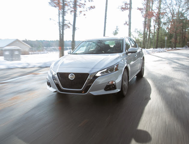 2019 Nissan Altima Driving
