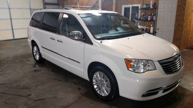 Picture of 2013 Chrysler Town & Country Limited FWD, exterior, gallery_worthy