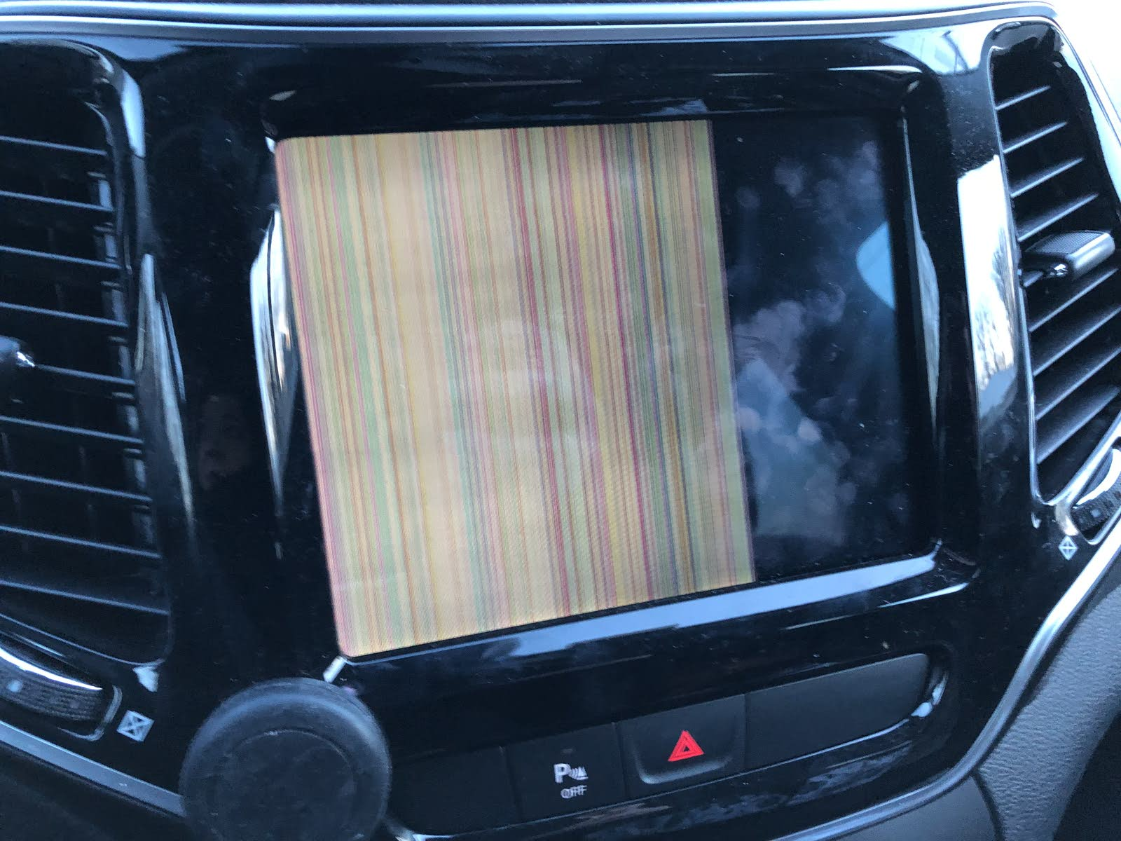 Jeep Cherokee Questions - Media screen issue on 2019 Jeep