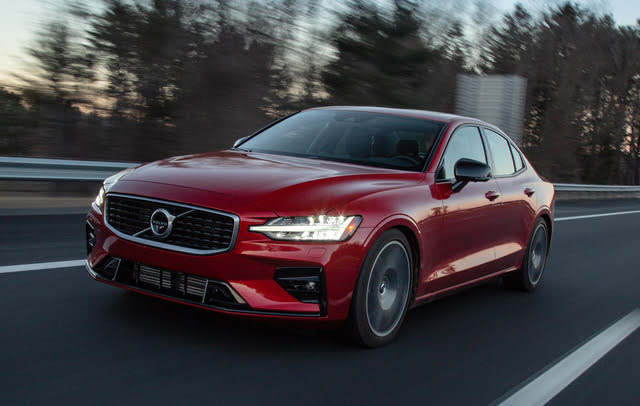 2019 Volvo S60 driving
