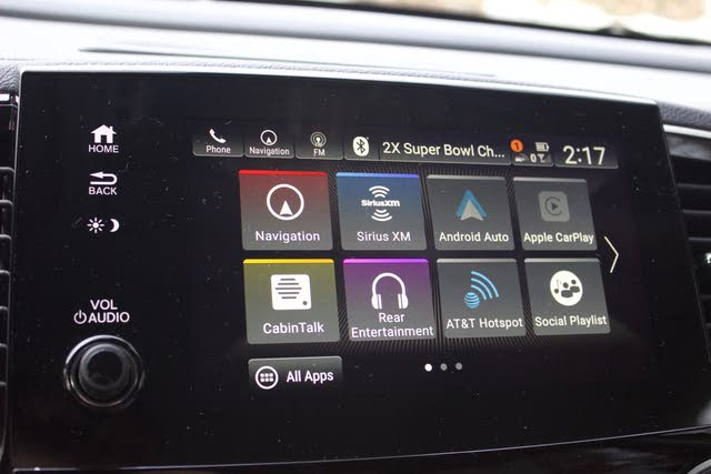 Honda Display Audio infotainment system of the 2019 Honda Pilot, interior, gallery_worthy