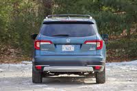 Rear profile of the 2019 Honda Pilot, exterior, gallery_worthy