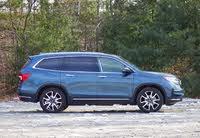 Side profile of the 2019 Honda Pilot, exterior, gallery_worthy