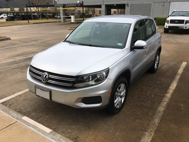 Picture of 2013 Volkswagen Tiguan SE