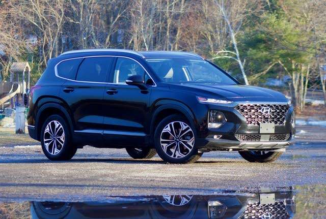 Front 3/4 of the 2019 Hyundai Santa Fe