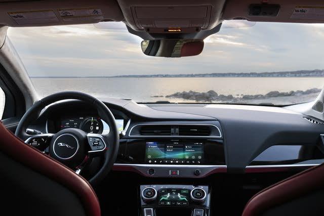 2019 Jaguar I-PACE EV400 HSE AWD, (c) Clifford Atiyeh for CarGurus, interior, gallery_worthy