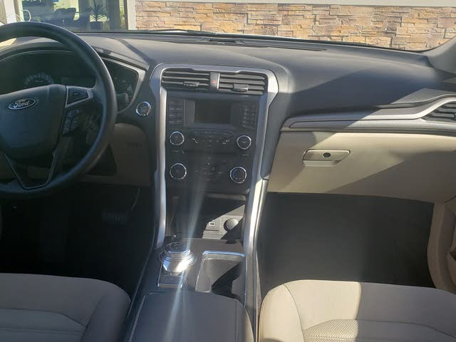 Picture of 2018 Ford Fusion SE, interior, gallery_worthy
