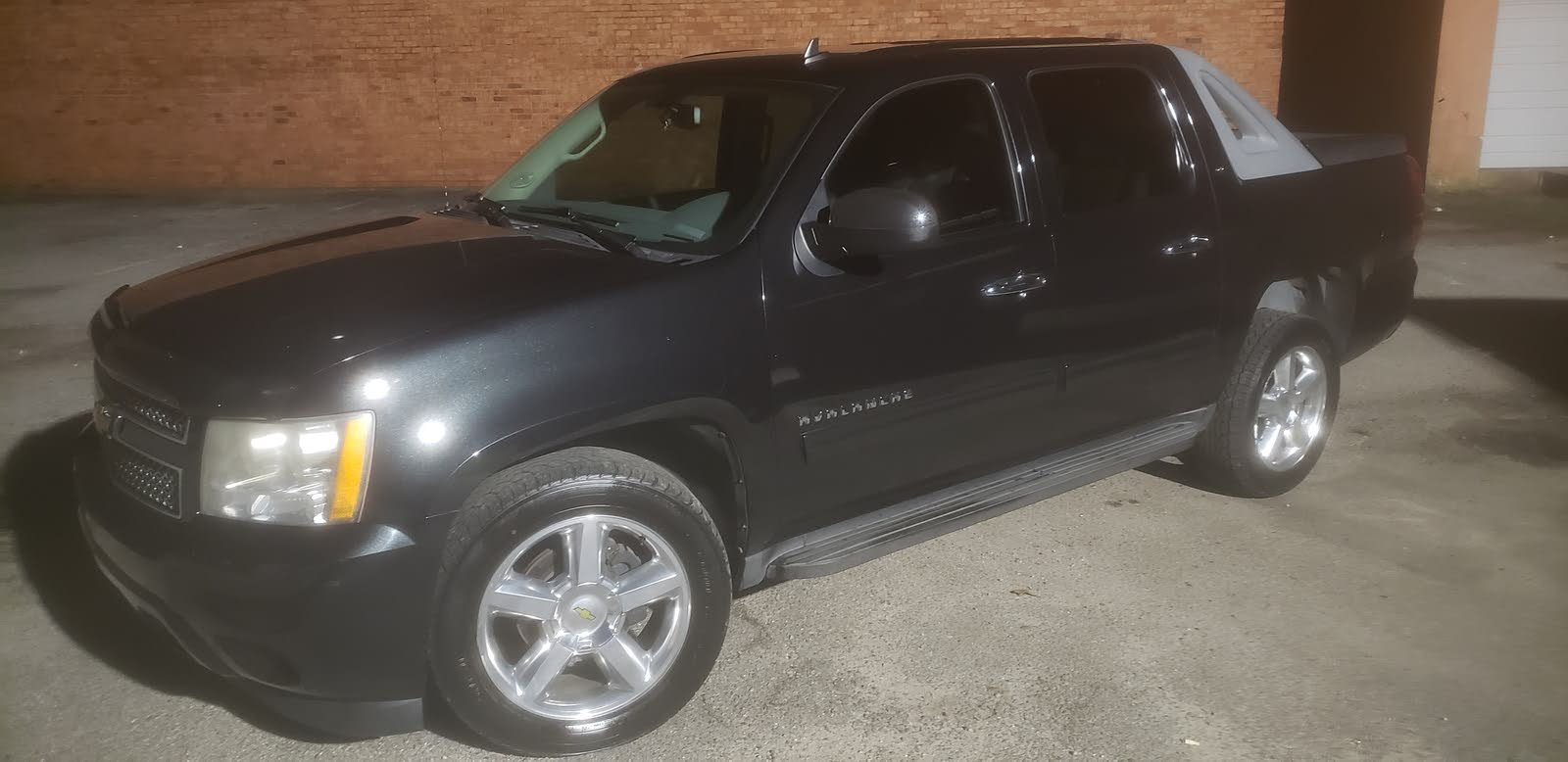 2010 Chevrolet Avalanche - Overview - CarGurus