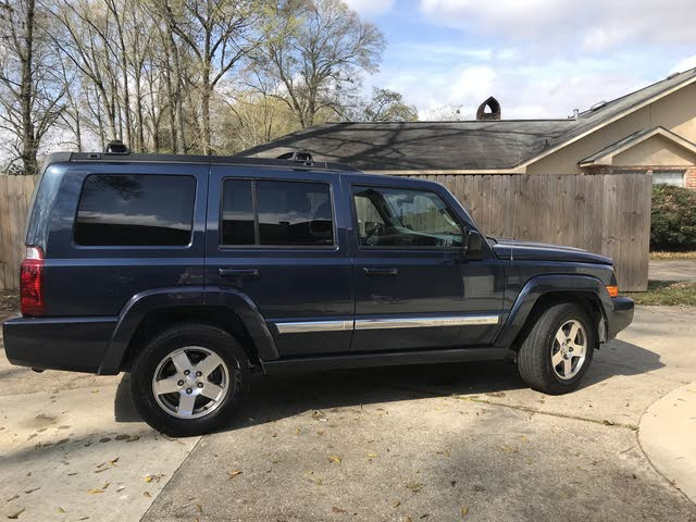 Picture of 2010 Jeep Commander Sport
