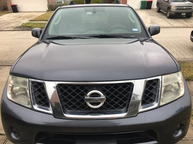 Picture of 2010 Nissan Pathfinder SE