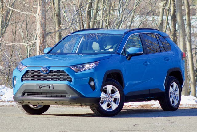 Front 3/4 of the 2019 Toyota RAV4.
