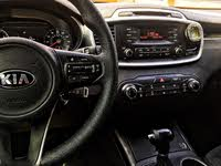 Picture of 2016 Kia Sorento LX, interior, gallery_worthy
